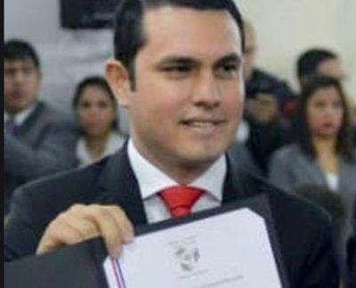 Euclides solicitó registrar el título del diputado Rivas