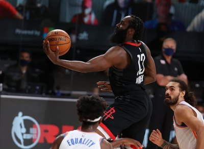Rockets ganan séptimo partido a Thunder; Bucks en gran peligro ante Heat