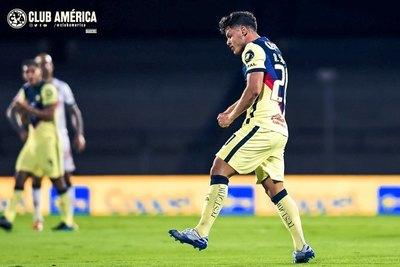 Solo golazos: 10 de sus 13 tantos, Sánchez los hizo desde fuera del área