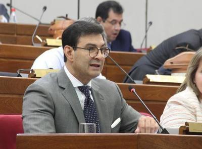 """Ovelar pide reglamentar pérdida de investidura para no depender de """"mayorías coyunturales"""""""