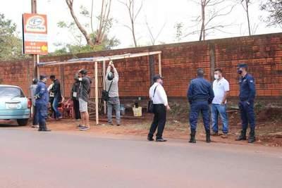 Desalojan vendedores informales que ocupaban veredas en Pdte. Franco