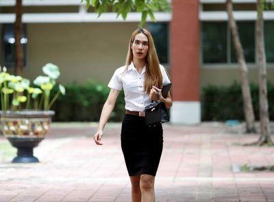 Alumnos transexuales van ganando la batalla de los uniformes en Tailandia
