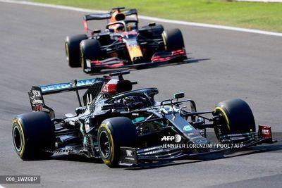 Mercedes extiende su dominio en el arranque del GP de Italia