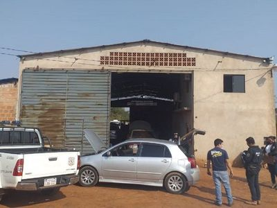 Allanan un taller vinculado a robacoches y al narcotráfico