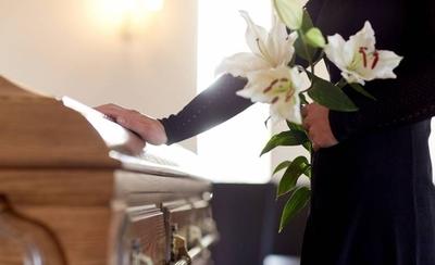 HOY / Funeraria fue suspendida por retener cadáver y no tener habilitación ministerial