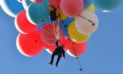 Ilusionista David Blaine recrea escena de globos de la película UP
