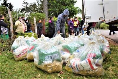 GOBIERNO ENTREGA KITS DE ALIMENTOS A 377 FAMILIAS DE SAN COSME, ITAPÚA