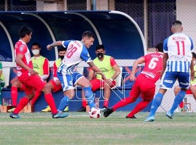 Con gol de Marcelo González, River celebra en su visita al 12 de Octubre