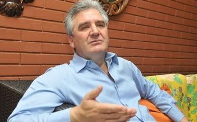 Sigue la polémica por título de abogado de Hernán Rivas