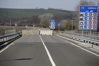 Hungría aplica desde hoy algunos alivios al cierre de sus fronteras