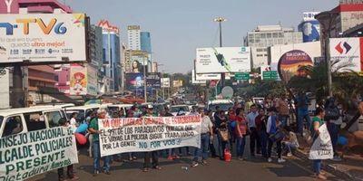 Manifestación en CDE: Asunción nos considera una colonia, gritó empresario en alusión al Gobierno