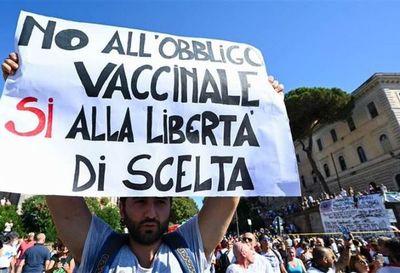 Manifestación en Roma, contra las mascarillas y las vacunas