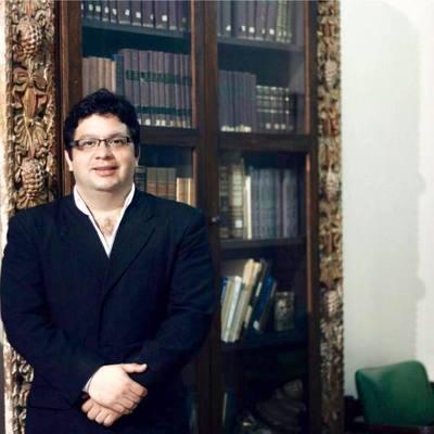 Duras críticas de historiador al ministro Petta