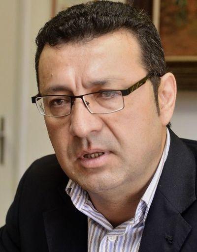Diputados piden salario de  G. 13 millones para directores