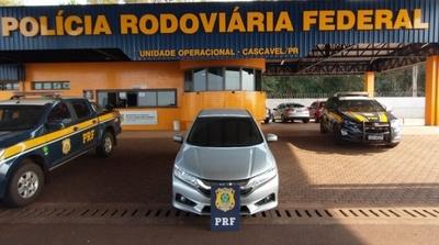 Detienen a TRES PARAGUAYOS con auto robado que traían a PARAGUAY
