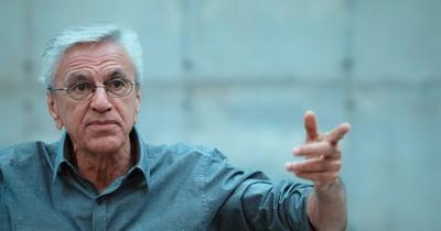 La Nación / Los días de Caetano Veloso en la cárcel, un documental para no olvidar