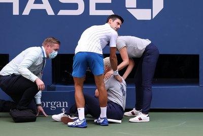 Djokovic y el reducido grupo de tenistas descalificados