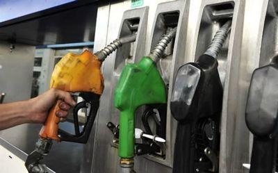 La venta del gasoil disminuyó 11% y la de las naftas, 20%