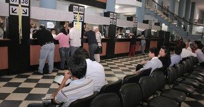 La Nación / Al menos 192 empresas habrían adquirido facturas falsas en el presunto esquema de evasión