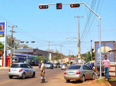 Hernandarias: piden cumplimiento de exigencias técnicas en instalación de semáforos
