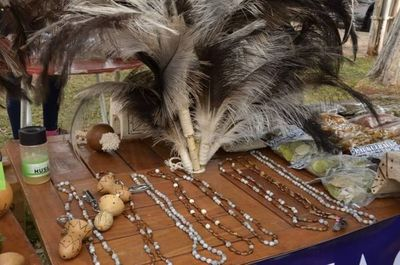 Feria de artesanía indígena en la explana del Centro Cultural de la Gobernación