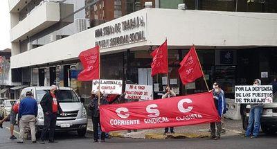 Sindicalistas exigen la no cuotización del aguinaldo