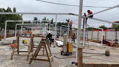 Continúan trabajos de construcción de pabellones de contingencia en cuatro Departamentos