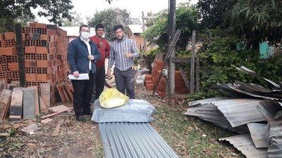 Familia que perdió su vivienda en incendio recibe ayuda de la Gobernación