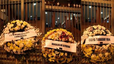 Policía investiga envío de corona de flores a la ANR