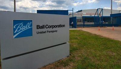 Con una planta 100% hidroeléctrica, Ball abastece a mercados de la región desde Paraguay