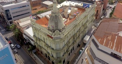 La Nación / Club de Ejecutivos sostiene que se deben recortar gastos públicos