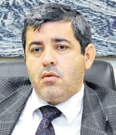 Juez Ovelar se presta a maniobra en un juicio que busca amedrentar a la prensa