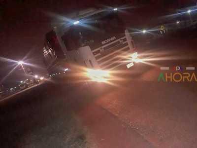 """Fiscal RETIENE camión con """"ELECTRÓNICOS"""" y lo ESCONDE en Algesa"""