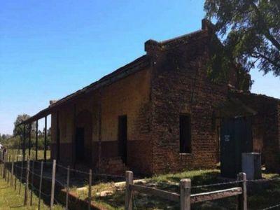 Pobladores urgen restaurar la ex estación del tren de Yuty