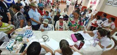Abuelos no pueden cobrar pensión porque presentaron certificados de defunción