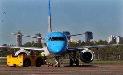 """Codena aprueba protocolo para """"vuelos burbuja"""" con Uruguay"""