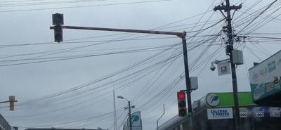 Pretenden implementar fotomultas pero semáforos no funcionan – Prensa 5
