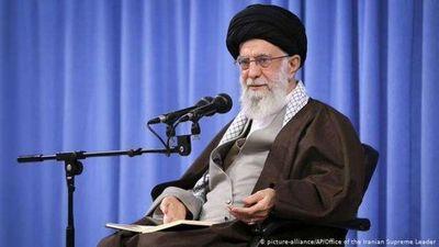 Supremo guía iraní califica de imperdonable reedición de caricaturas de Mahoma