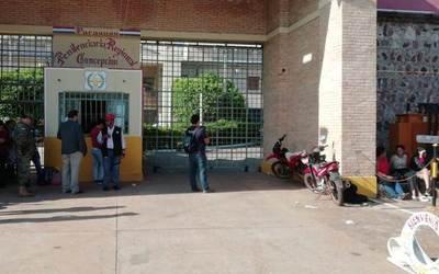 Toman 26 muestras en cárcel de Concepción, tras confirmación de caso positivo de Covid