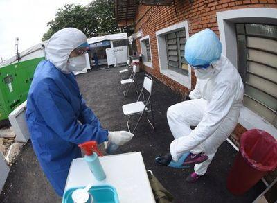 Covid-19: Alerta epidemiológica por contagios entre el personal de blanco