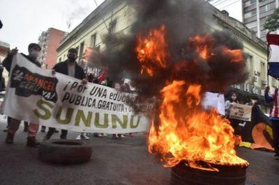 Universitarios piden exoneración de aranceles del 2020 al Gobierno
