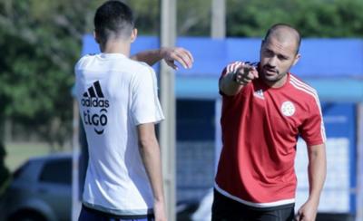 HOY / Carlos Paredes se alista para dirigir a Luqueño