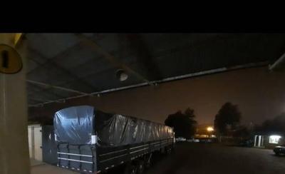 HOY / Incautan camión con mercaderías vinculado a Dalia López y detienen a dos personas