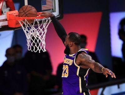 Los Lakers remontan y toman ventaja sobre los Rockets en la Conferencia Oeste
