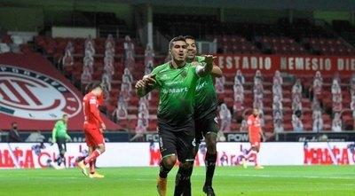 Juárez gana con gol de Darío Lezcano y América remonta para ser líder
