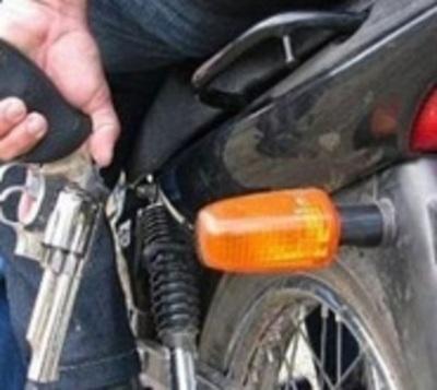 Joven fue baleado por motochorros