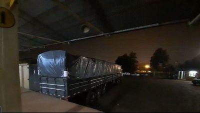 Fiscalía incautó camión con mercaderías propiedad de Dalia López en Ciudad del Este
