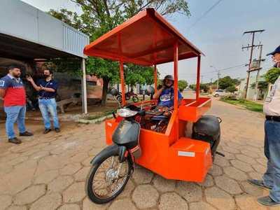 Fabrican una moto especial a Don Pablo para poder trabajar