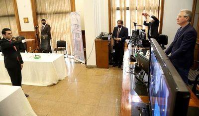 MEC blanquea expedición en tiempo récord de título del diputado Rivas