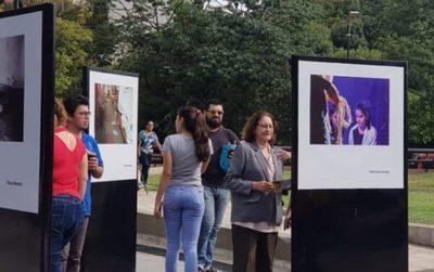 "Muestra fotográfica sobre un ""Paraguay mejor"""